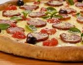 Para te ajudar a comemorar o Dia da Pizza, selecionamos 7 pizzas de 7 pizzarias de Pouso Alegre que se destacam fora dos  sabores tradicionais, e que fazem muito sucesso com quem prova. Experimente!