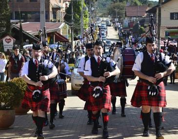 Tradicionais em Minas Gerais, as festas misturam cultura, gastronomia e música. Quatro festivais do Sul de Minas são destacados pela Secretaria de Turismo de MG.
