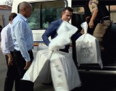 Investigação apura fraudes em licitações de compra de peças automotivas. Ao todo foram cumpridos 11 mandados de prisão em cidades da região.