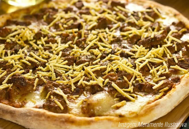 Pizza de Strogonoff de filé Mignon. Imagem ilustrativa.