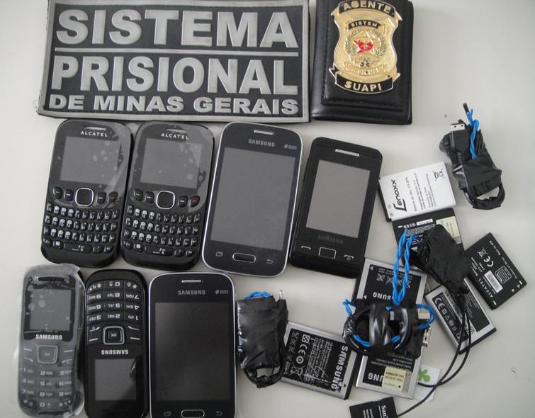 Professor foi flagrado com sete celulares, três chips e carregadores dentro da cueca. Foto: Blog do Airton Chips