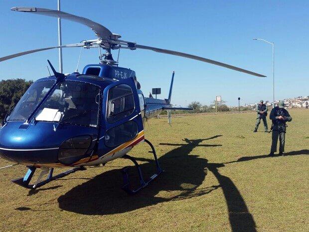 Helicóptero da PM de Belo Horizonte dá suporte à operação em Pouso Alegre (Foto: PMMG)