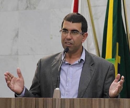 Líder do Governo na Câmara, Maurício Tutty, explicou projeto. Foto: Divulgação CMPA