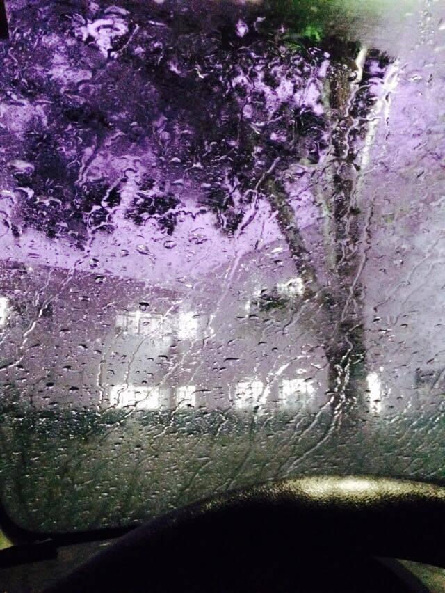 Chuva forte e muito relâmpago na Univas do Fátima. Foto: Bia Borges