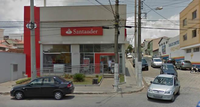 Cliente iria depositar malote nesta agência. Foto: Reprodução Google Street View