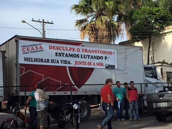 Produtores fazem protesto. Foto: Reprodução Facebook Fernando Lima