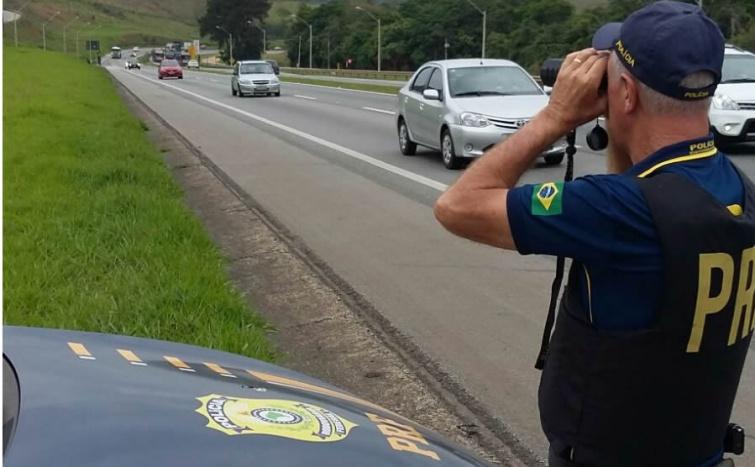 Polícia Rodoviária Federal intensificou a utilização dos radares portátil e fotográfico durante Operação Nossa Sra. Aparecida.