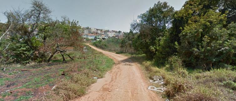 Sem nenhuma segurança, moradores precisam se arriscar para trafegar entre os bairros Colina Verde e Morumbi. Foto: Google Street View