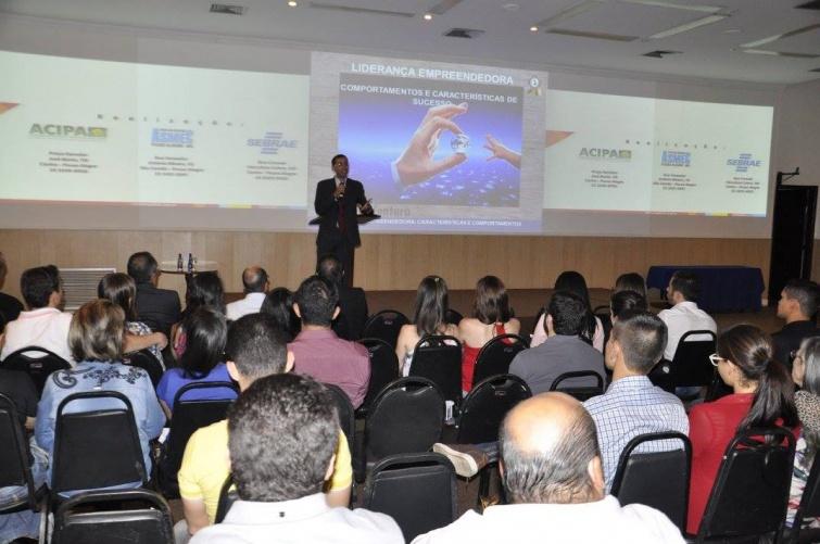 Gregório Borges Ventura em sua palestra Liderança Empreendedora. Foto: Divulgação