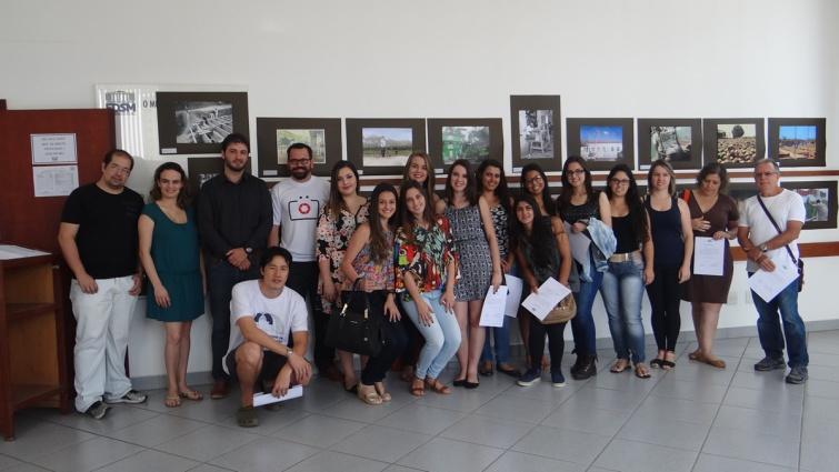 Acadêmicos e participantes do Concurso de Arte Fotográfica.