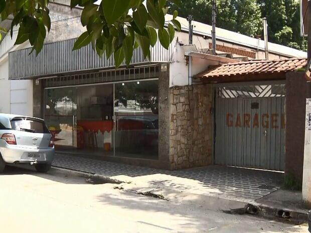Homens armados roubaram R$ 100 mil de residência em Pouso Alegre (Foto: Reprodução EPTV)