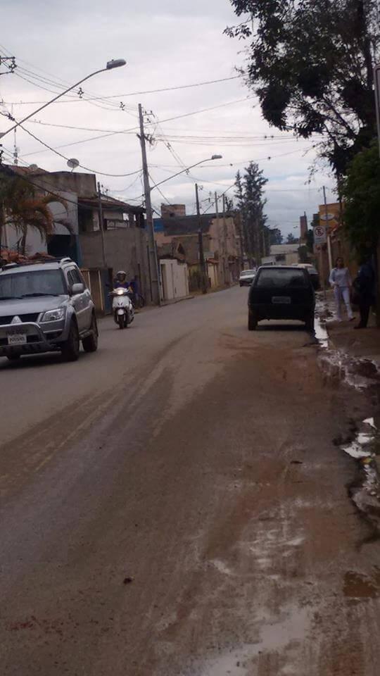 Avenida Antônio Scodeler: Via com grande movimentação e quase nenhuma estrutura. Foto: DIego Cassimiro.