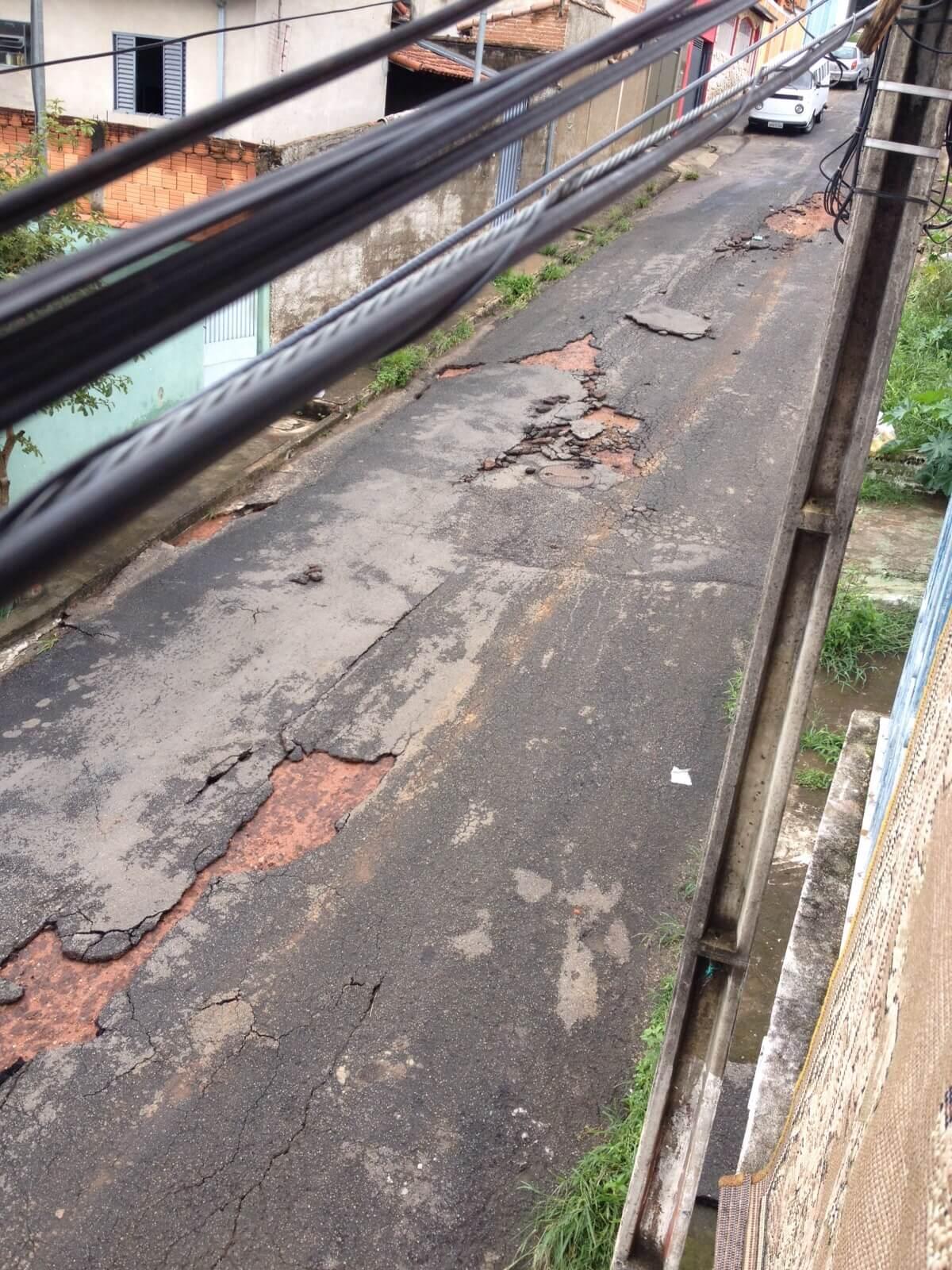 Chuva deixou estragos na Rua B, no bairro Bela Vista. Foto: Emanoel Melo