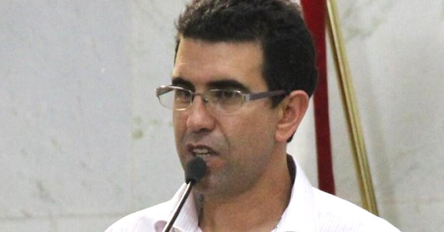 Mauricio Tutty é eleito presidente da Câmara para 2016.