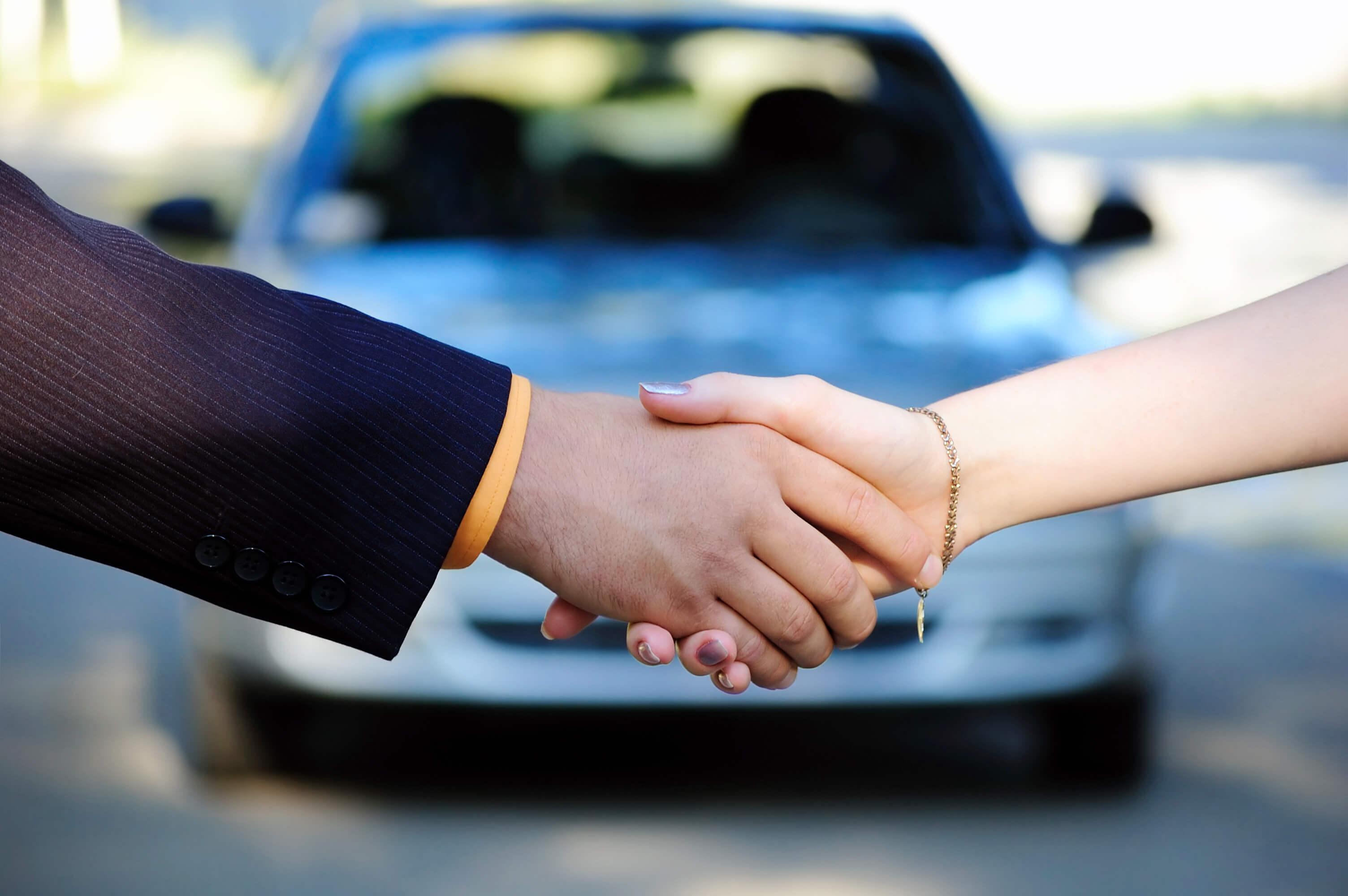 Saiba quais os direitos do consumidor ao comprar um carro usado.