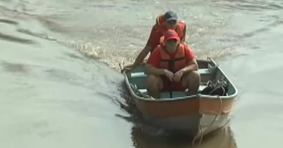 Bombeiros iniciaram buscar por corpo de homem que teria se afogado no rio mandu. Foto: Reprodução / TV Libertas