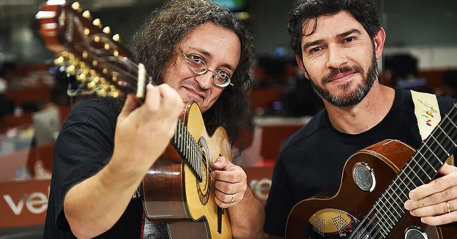 Ricardo Vignini  e o pouso-alegrense Zé Helder na revista VEJA. Foto: Reprodução Veja