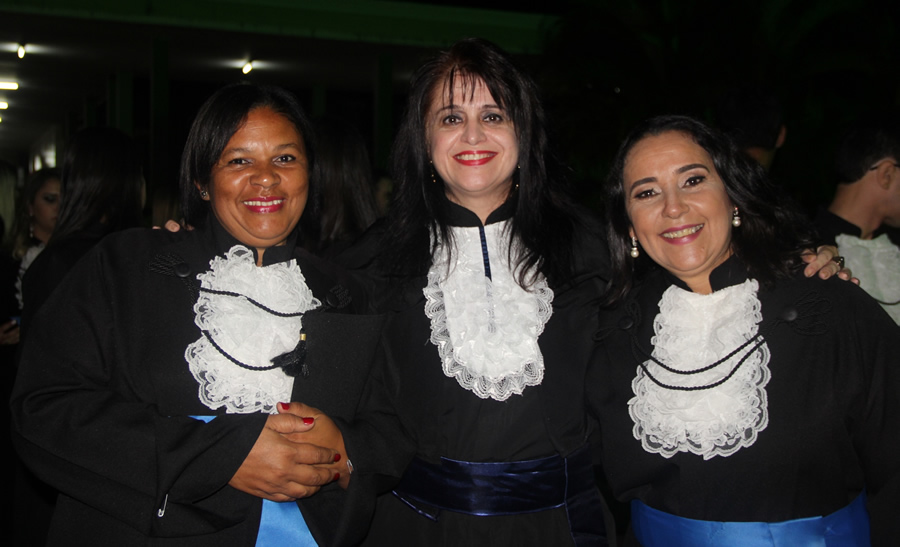Profa. Denise da Silva Segura, paraninfa da turma de Pedagogia.Foto: Ascom FAI