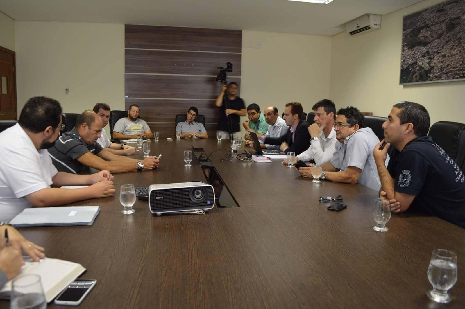 Vereadores se reúnem para definir composição da CPI. Foto: Câmara