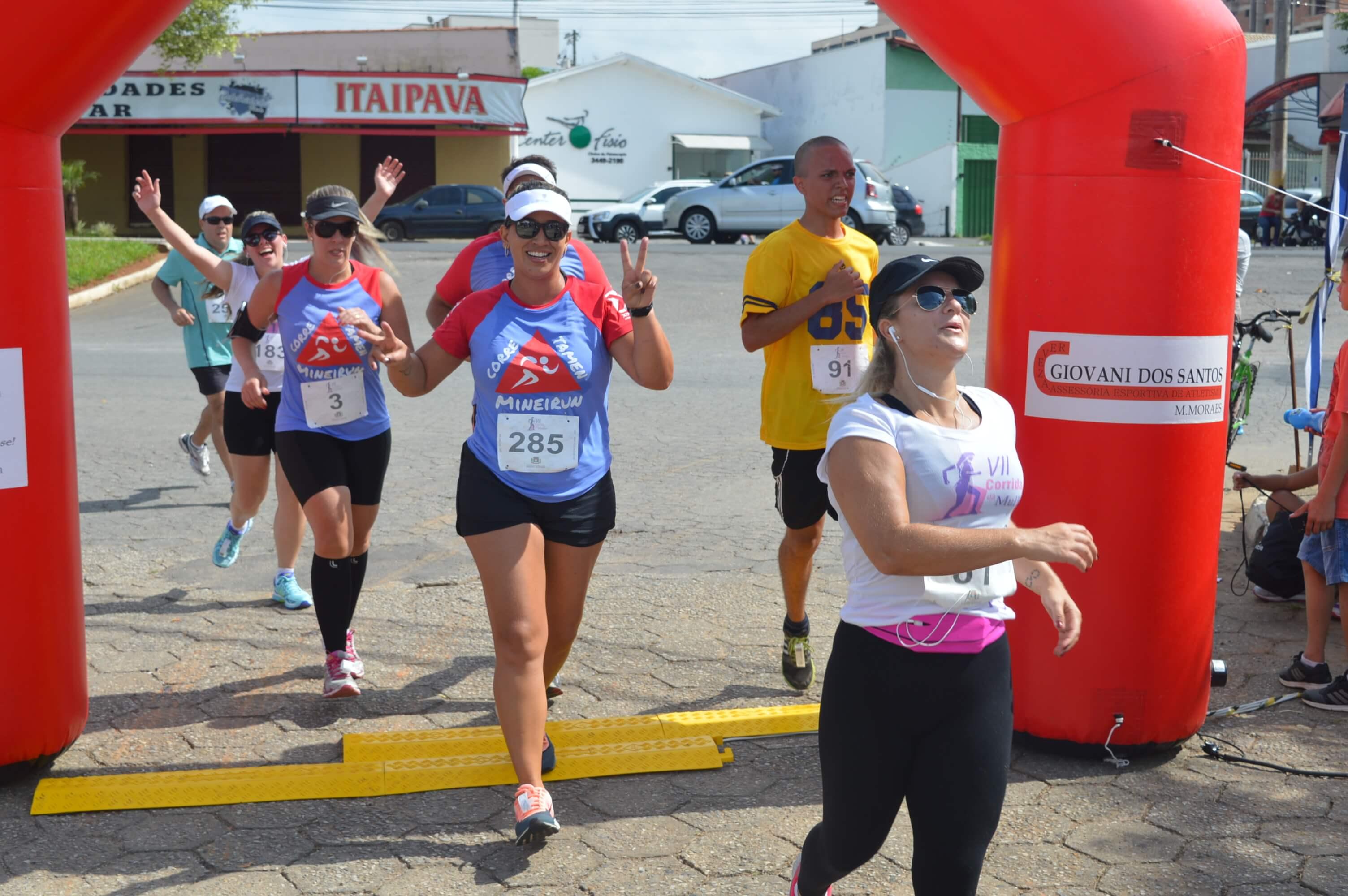 VII Corrida da Mulher reuniu centenas de atletas. Foto: Prefeitura