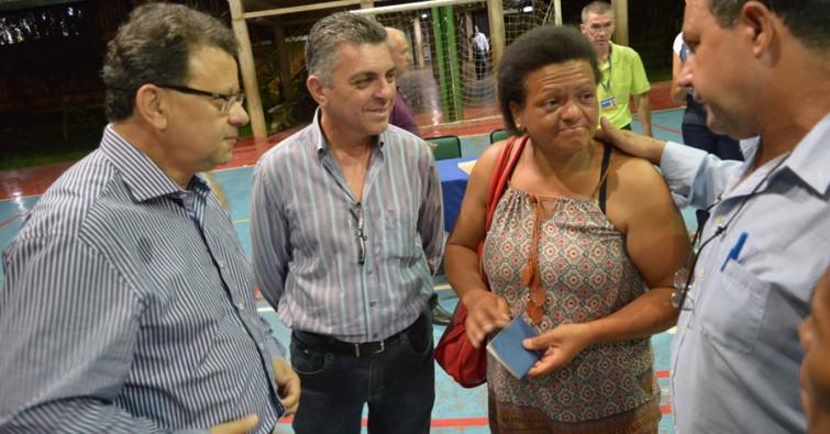 Prefeito Agnaldo Perugini e Secretário de Desenvolvimento Econômico, Ricardo Puccini, participaram do sorteio.