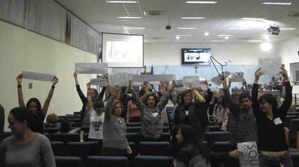 Pessoas ligadas a cultura protestaram na Câmara (Foto: Reprodução Facebook)