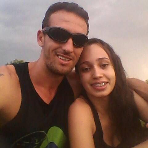 Relacionamento de Elias e Hellen era conturbado. Imagens: Rede Social