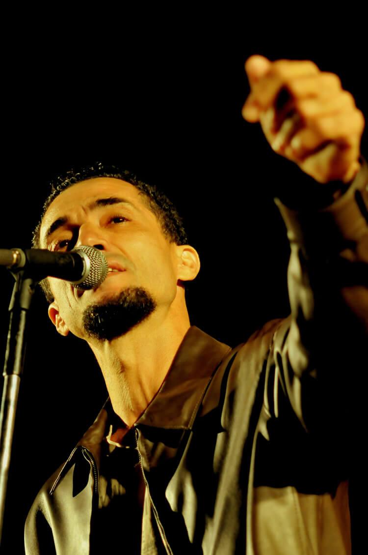O cantor Kaiser - com show Zé Ramalho Cover - abre as apresentações musicais na noite de sexta-feira (2)