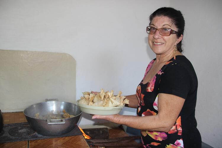 Durante o lançamento, haverá degustação de almôndegas na palha, receita elaborada por Neide Fraga, do bairro dos Fernandes, município de Silvianópolis e que faz parte do livro