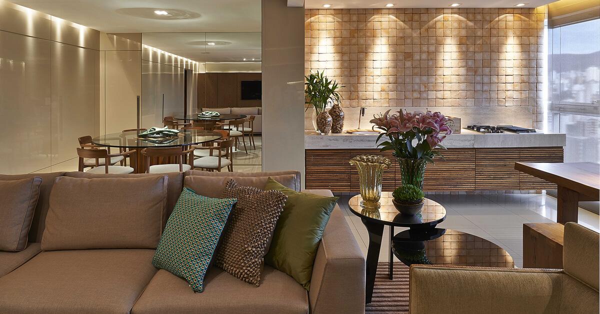 Designer de interiores é o profissional que encontra soluções para tornar ambientes mais funcionais, bonitos e harmoniosos