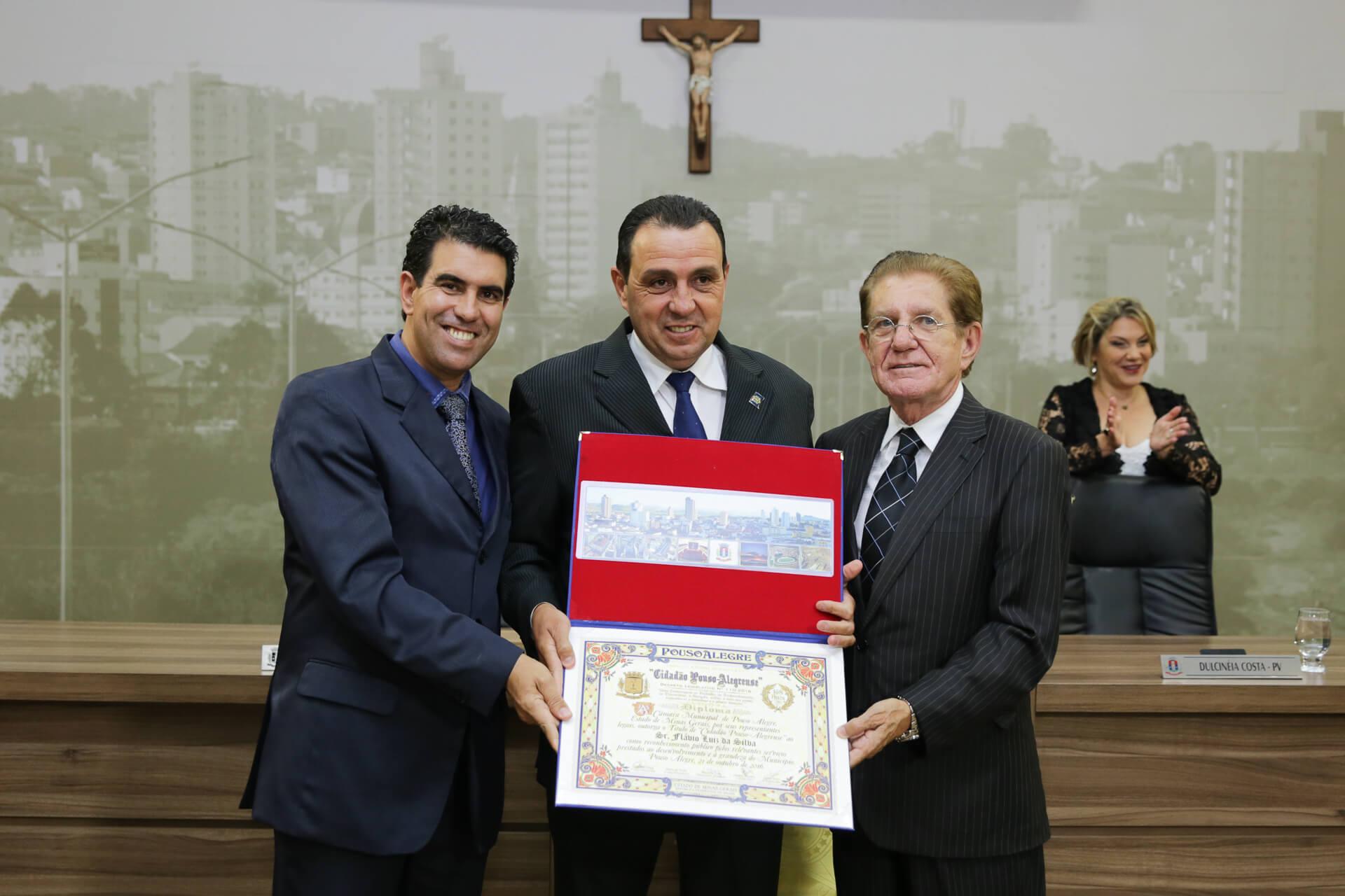 Flávio Luiz da Silva foi homenageado pela Mesa Diretora