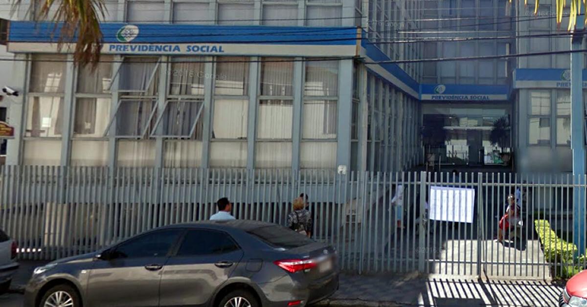Servidora do INSS foi denunciada por estelionato (Foto: Google Street View)
